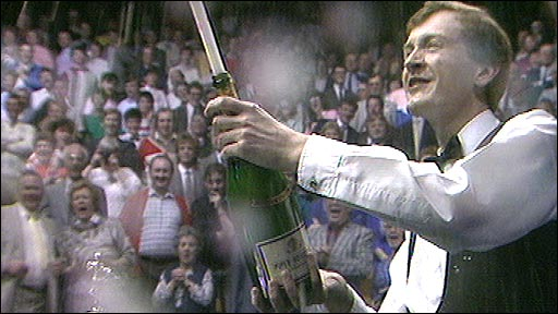 Steve Davis celebrates winning the 1987 World Championship