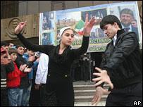 Дети в Чечне танцуют 16 апреля