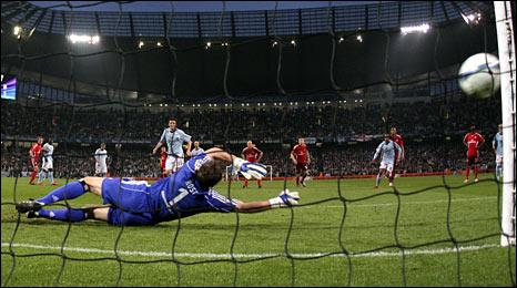 Manchester City's Elano scores