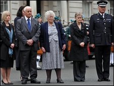 Sir Paul Stephenson and Yvonne Fletcher's family at the memorial