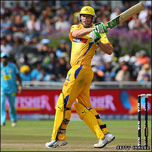 Chennai are set a target of 166 and Flintoff tries to keep them up with the rate as he makes 24 off 23 balls before giving a return catch to Harbhajan Singh