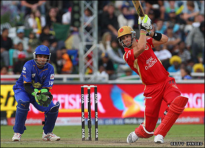 Pietersen prevents the hat-trick and makes 32 from 30 balls but is then caught at mid-wicket off Tyron Henderson