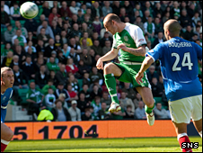 Steven Fletcher equalises for Hibs
