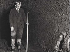 Surveyor in the tunnel in 1939. Photo: Newcastle City Council