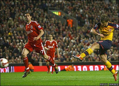 Arshavin smashes Arsenal into a 4-3 lead