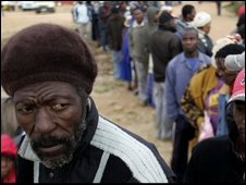 Voters in Soweto, 22/04
