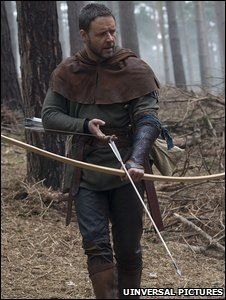 Russell Crowe playing Robin Hood