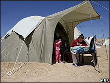 Gazans living in tents