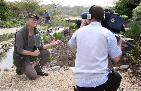 Simon King in the wildlfe garden at Pensthorpe Nature Reserve