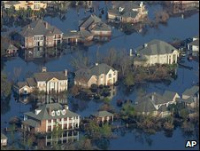 Flooded streets in New Orleans (13/09/2005)