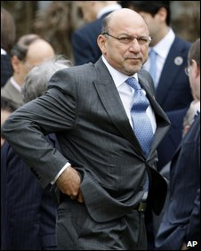 South African Finance Minister Trevor Manuel at a G20 meeting in England, 14 March 2009