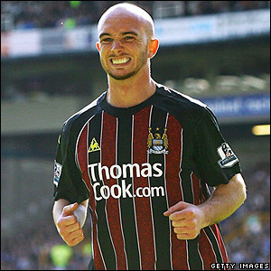 Man City's Stephen Ireland celebrates
