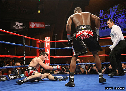 Carl Froch (prone) and Jermain Taylor
