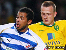 Reading's Liam Rosenior and Norwich's Sammy Clingan