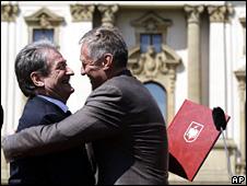 Sali Berisha hugs Mirek Topolanek (28 April 2009)