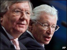 Fortis chairman Jozef De Mey, left, and Fortis CEO Karel De Boeck