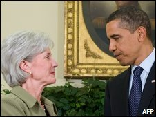 Kathleen Sebelius and Barack Obama in Washington, 28 April 2009