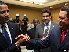 Barack Obama shakes hands with Venezuelan President Hugo Chavez during the Summit of the Americas in Trinidad, 17 April 2009