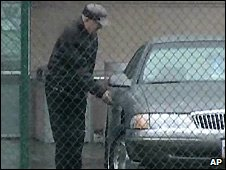 Still from US government video of John Demjanjuk getting into car - 6/4/2009
