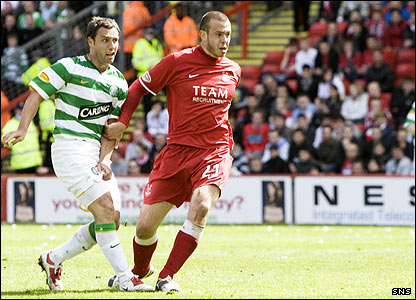 Scott McDonald fires Celtic into the lead