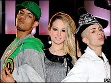 N-Dubz with Tulisa Contostavlos (centre)
