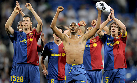 Barcelona celebrate a famous victory