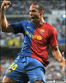 Thierry Henry celebrates his goal in Barcelona's 6-2 win over Real Madrid