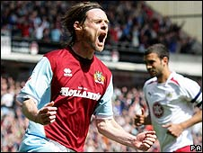 Graham Alexander celebrates Burnley's first goal