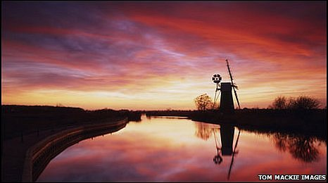 Turf Fen Windmill at sunset (photo: Tom Mackie)