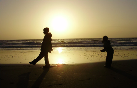 Lewis Jones managed to capture his two sons Gwyn and Deri in silhouette while they played on the beach at Llangrannog in Ceredigion