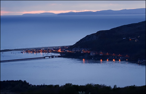 View of Barmouth and Cardigan Bay at night with the Llyn Peninsula in the background (Keith O'Brien).
