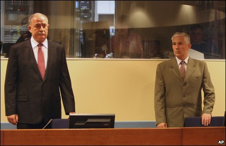 Veselin Sljivancanin (left) and Mile Mrksic at The Hague, 5 May