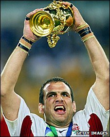 England captain Martin Johnson lifts the 2003 World Cup