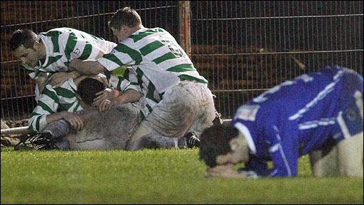Donegal Celtic celebrate Paul McDonald's late winner against Dungannon Swifts