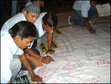 Signature campaign by EFG, Delhi-based NGO