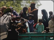 Displaced people from Swat arrive in Mardan near Peshawar