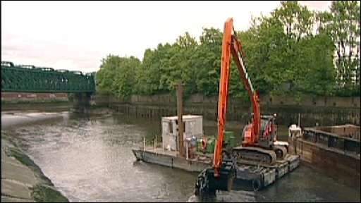 Dredger at Olympic canal