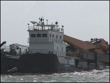 Goliath, crane barge