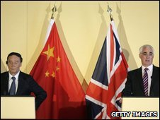Chinese Vice-Premier Wang Qishan and UK Chancellor Alistair Darling