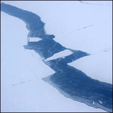 Ice cracks in the Arctic (Domonic Hurst)