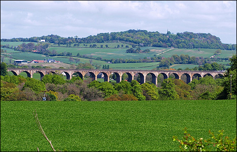 Railway viaduct, Linlithgow Bridge