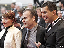Bahman Ghobadi (centre) with Negar Shaghaghi (l) and Hamed Behdad (r)