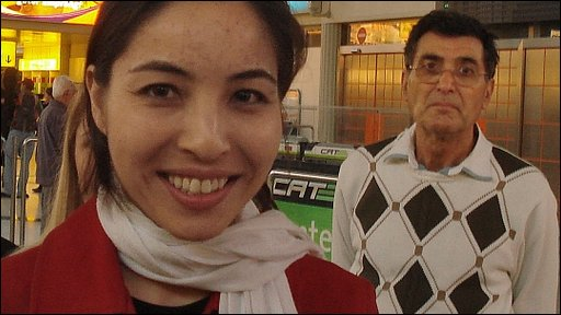 Roxana Saberi with her father in Vienna Airport