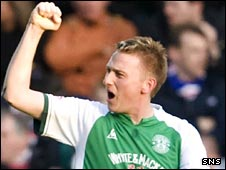 Derek Riordan celebrates his goal against Rangers