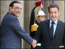 Pakistani President Asif Ali Zardari and French President Nicolas Sarkozy