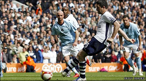Robbie Keane's late penalty secured the victory for Tottenham