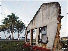 Damage caused by December 2004 tsunami in Sri Lanka