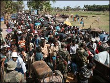 A mass of displaced Tamils are received by the army (image provided by Sri Lanka military on 15 May 2009)