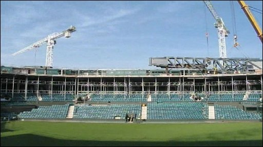A roof over the centre court at Wimbledon being built