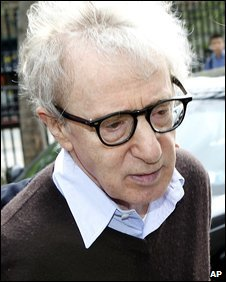 Woody Allen arrives at court